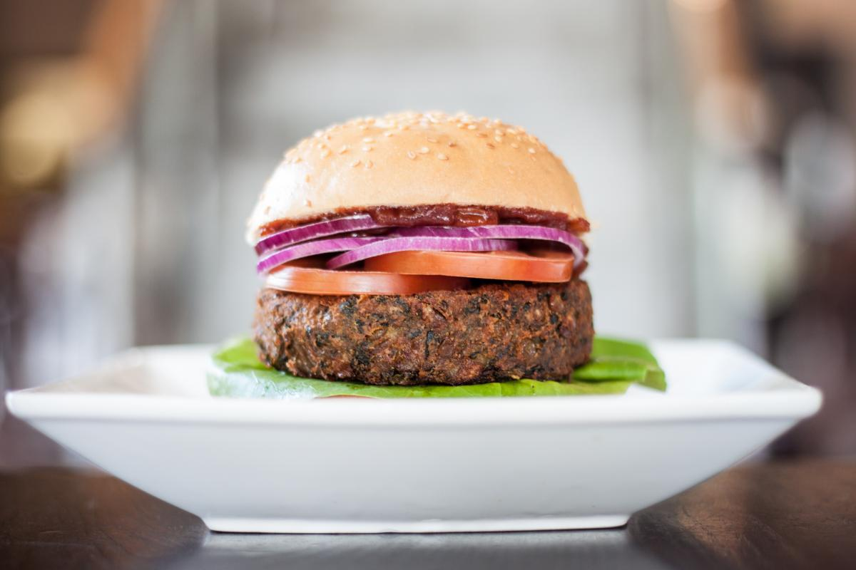 veggie burger - dining out as a vegan