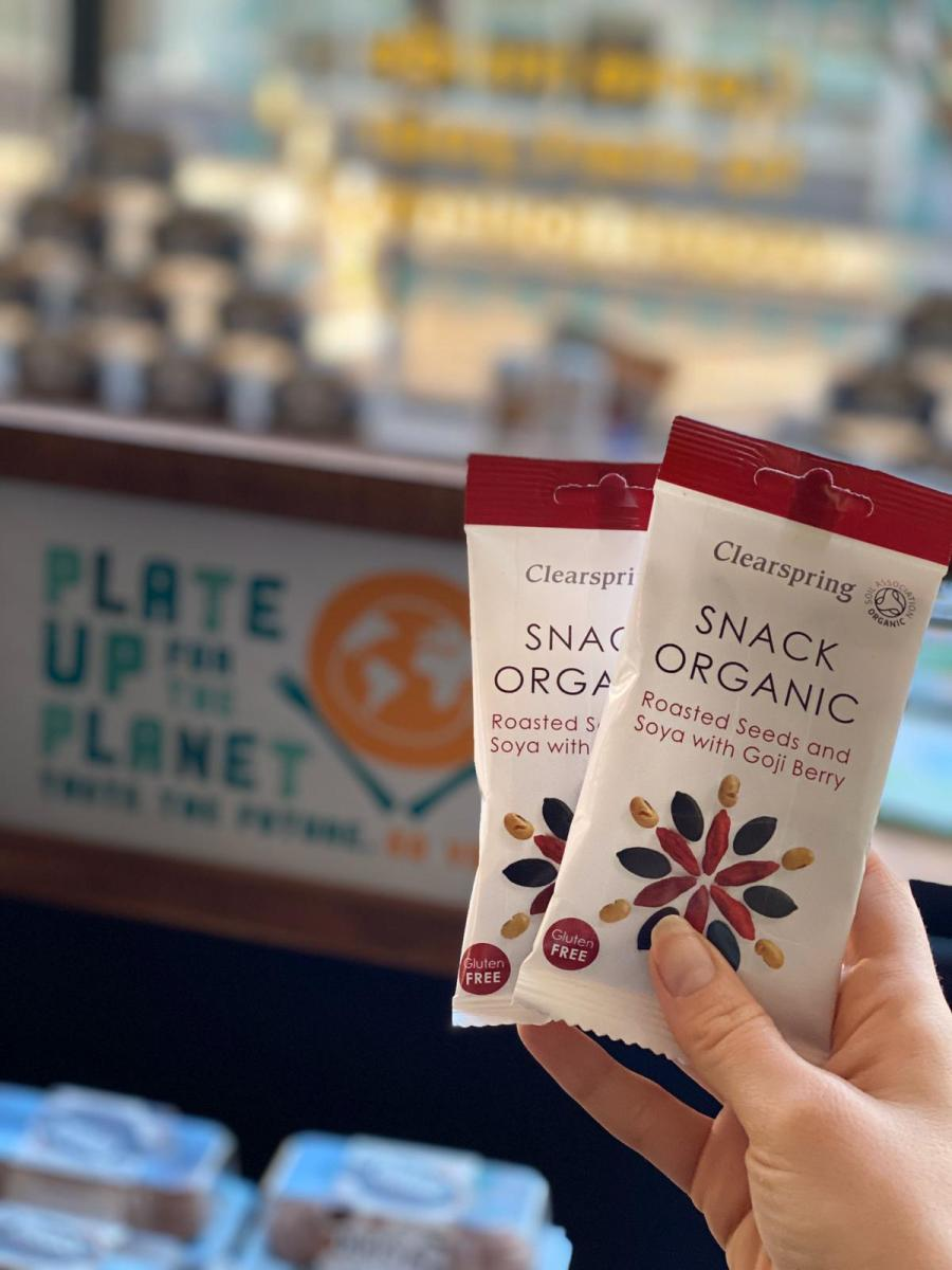 Clearspring Snack Organic Roasted Seeds and Soya with Goji Berry