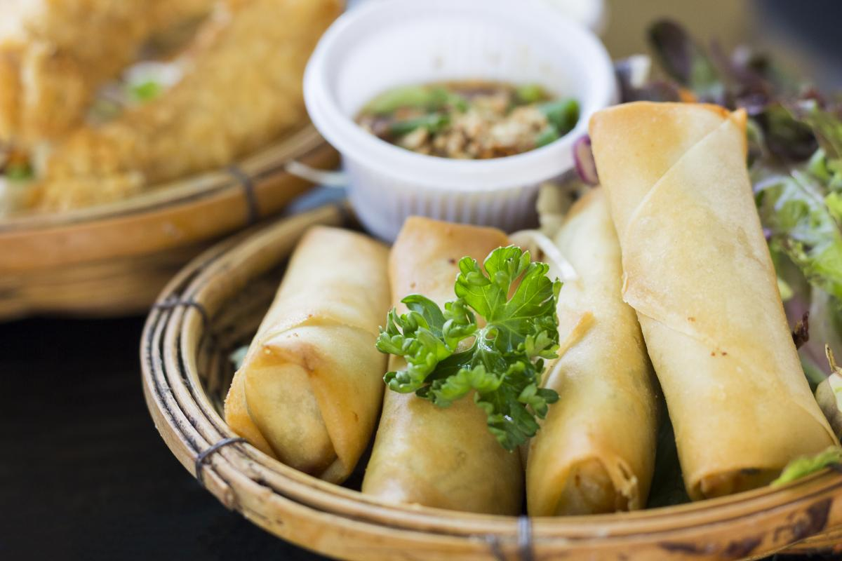 Veggie spring rolls - vegan chinese food