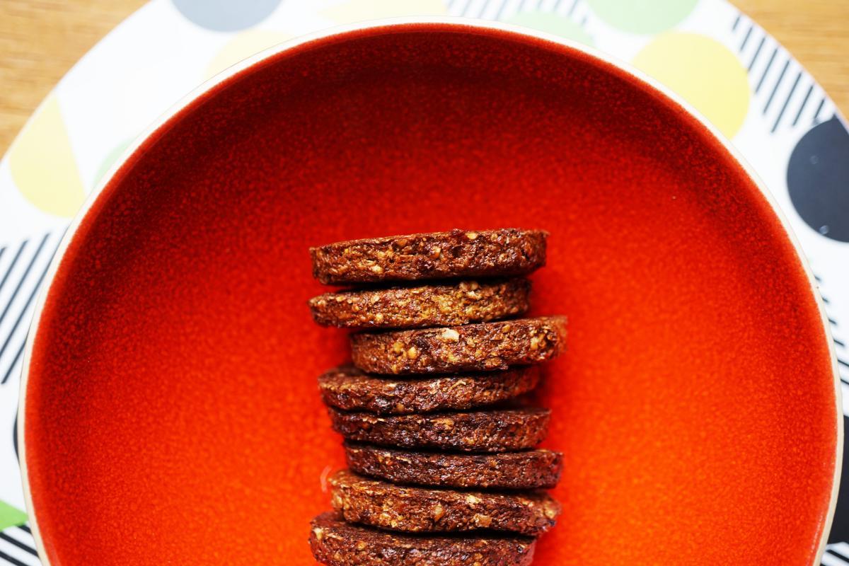 walnut%20cinnamon%20cookies_0.jpg